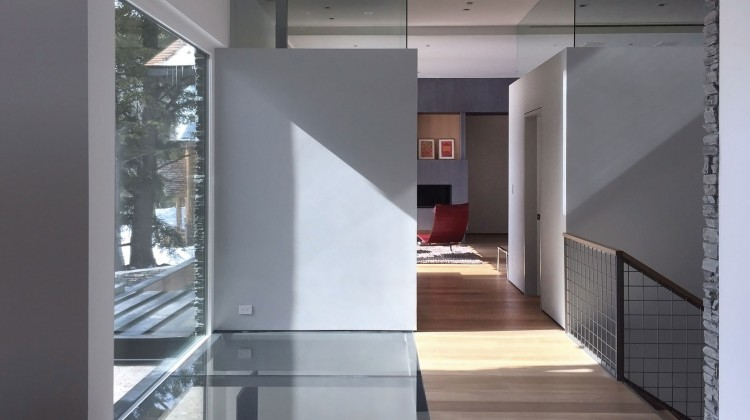 Glass connecting levels