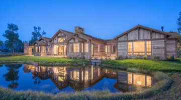 ARCHITECTURE Dubbe Moulder Architects BUILDER Wind River Builders PHOTO Sargent Schutt Photography