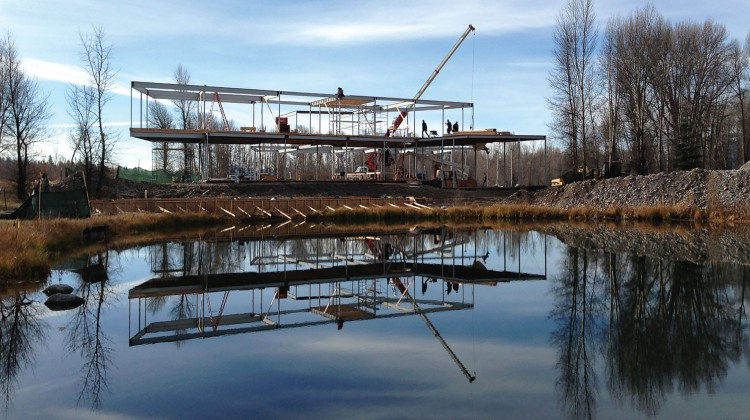 Steel framing allows for the creation of cantilevered structural design elements.