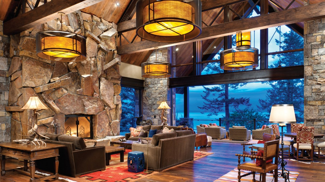 Fireplace of Montana Antique, Stone Columns in Chief Cliff