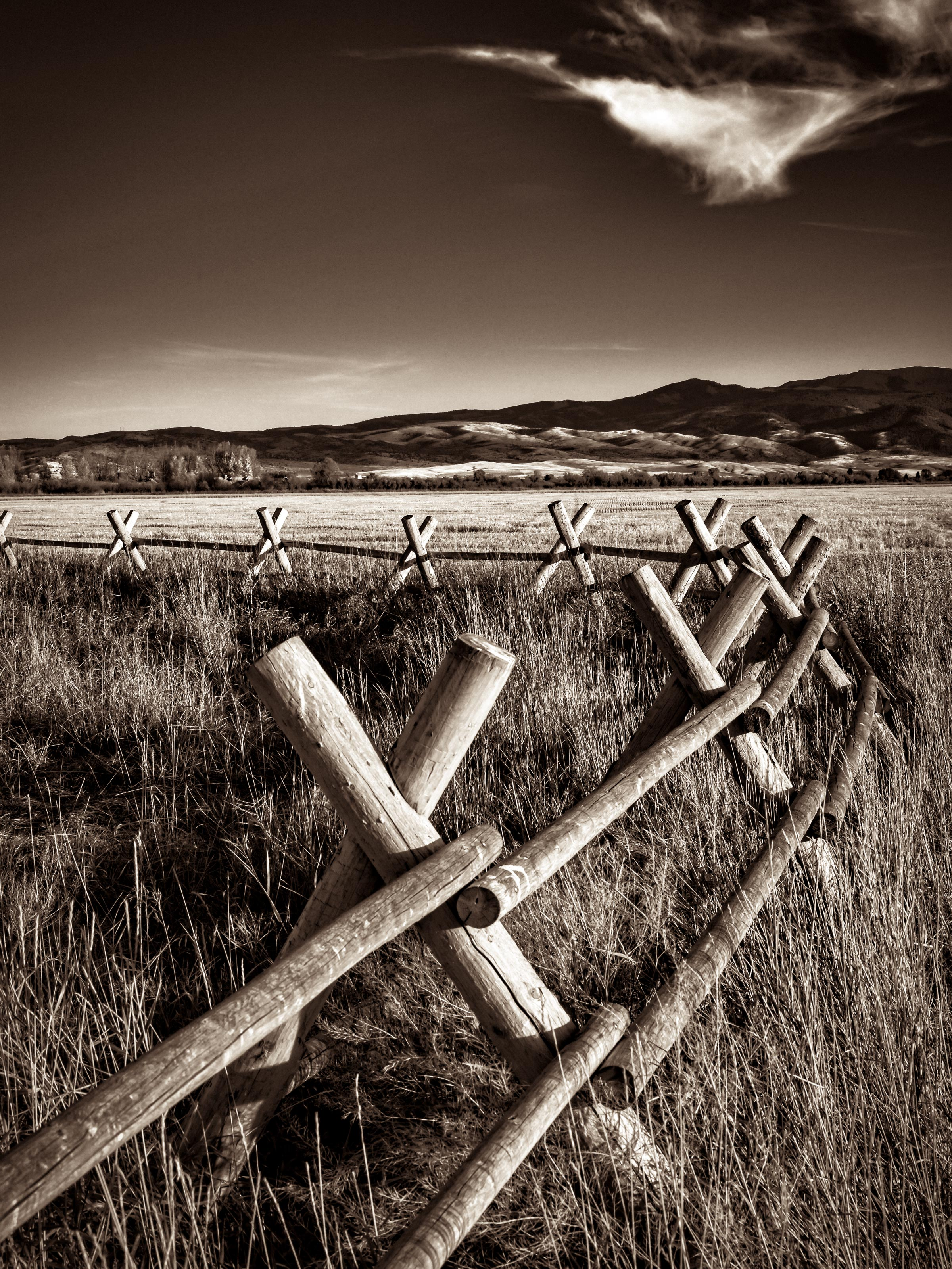 RUBY SPRINGS LODGE- Fence