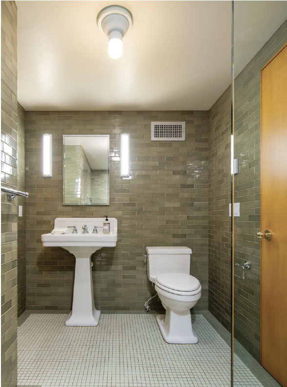 Hemingway Writer-in-Residence Studio- Sun Valley Bathroom
