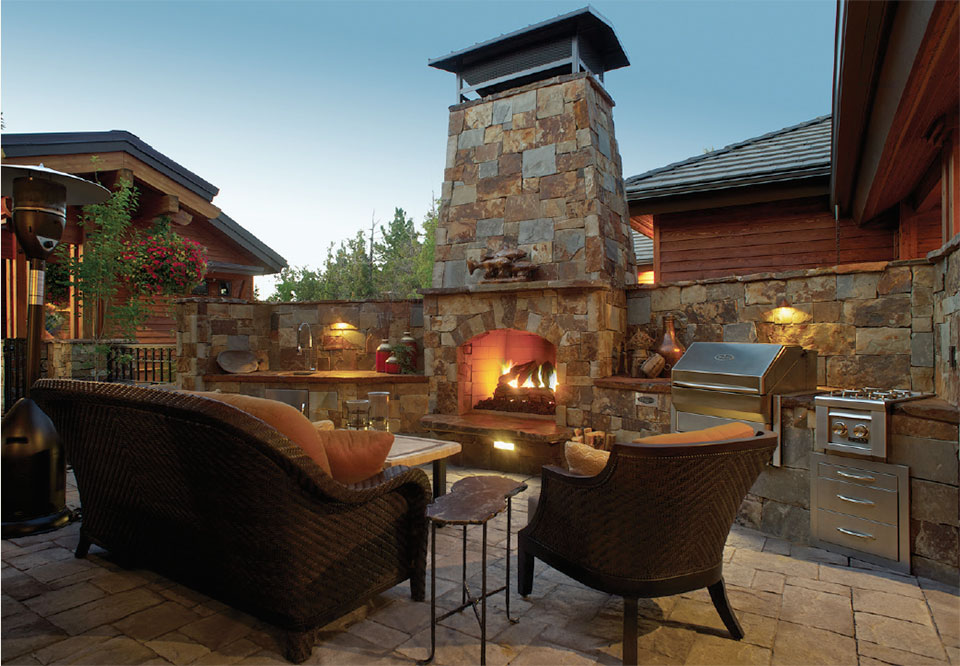 Earth Designs- Bend Patio and Fireplace